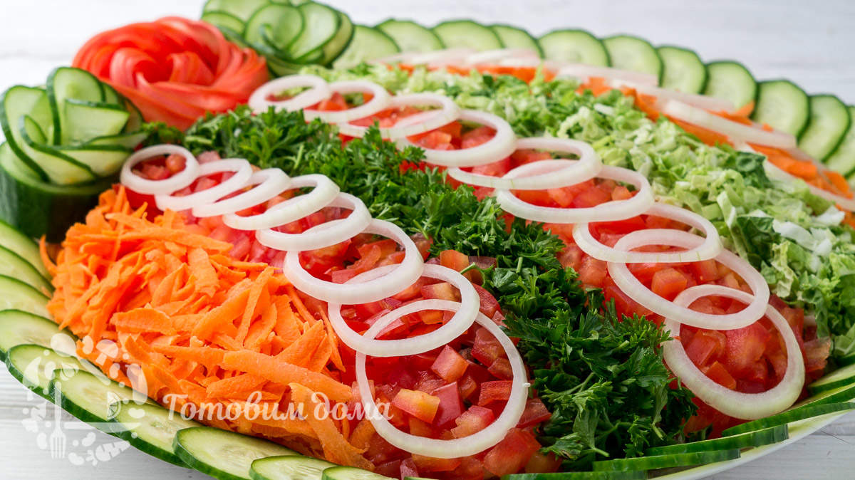 Витаминный салат с курицей на Новый Год 2021