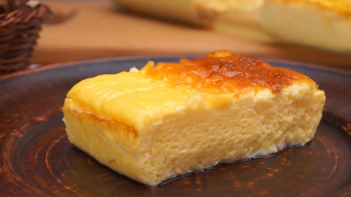 Омлет из духовки получился пышным, красивым  и очень вкусным. Я думаю, никто не сможет отказатся от такого шикарного завтрака.
