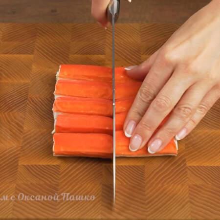 Так как палочки у меня длинные, то я их разрезаю пополам.
