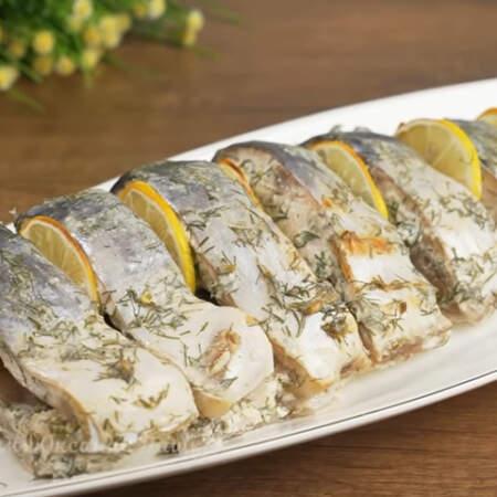 Запеченный тунец получился очень вкусным, нежным и сочным.  Его можно подавать как в теплом, так и холодном виде.