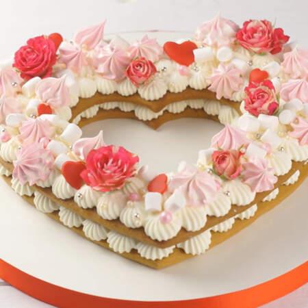 Торт получается нежным, ароматным и очень вкусным, а крем в этом торте просто улетный.