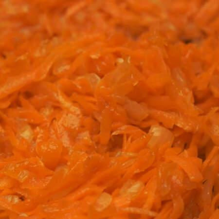 Все обжариваем до мягкости морковки.