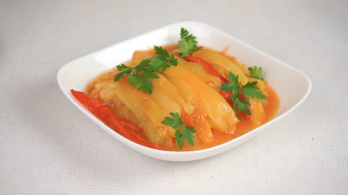 Салат получился очень вкусным и полезным. Он станет отличным дополнением к мясным блюдам.