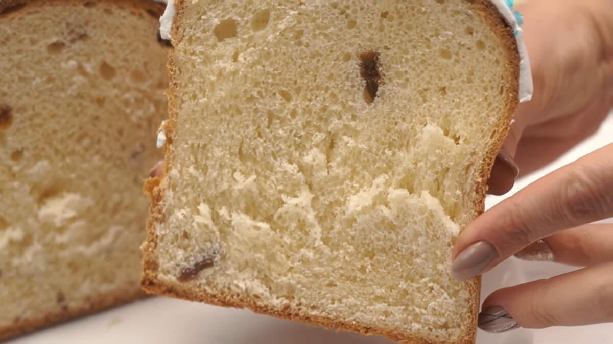 Пасхальные куличи по этому рецепту получились нежные, воздушные и очень вкусные, а глазурь, которой украшены куличи не крошится даже после нескольких дней хранения.