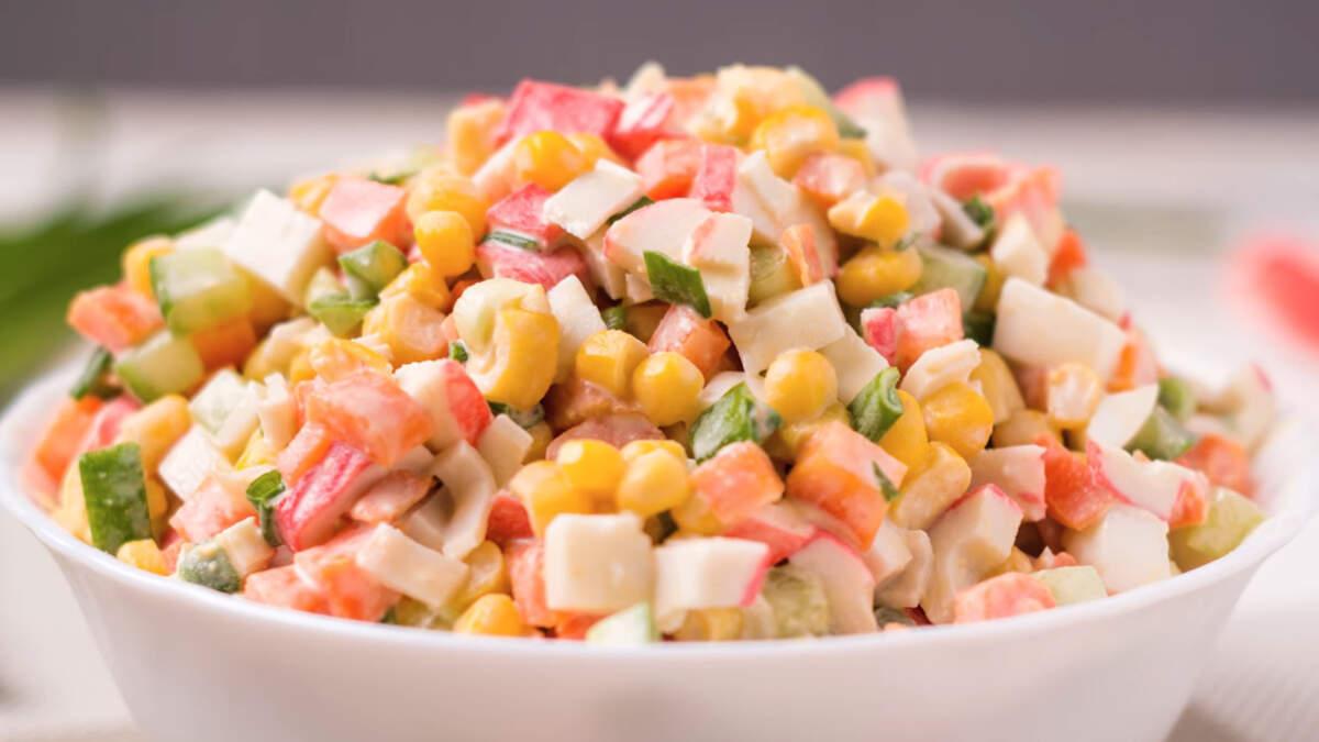 Вот такой красивый, яркий и очень вкусный получился салат.