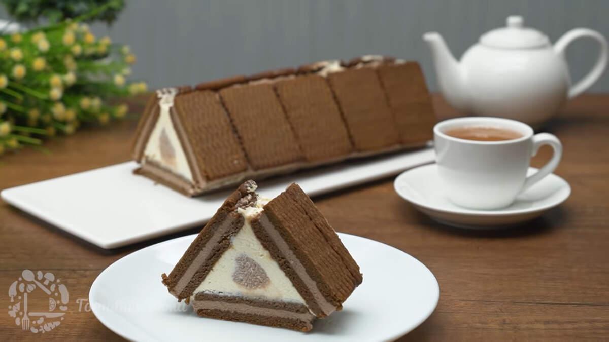Торт Домик бабки Ежки получился необычным и очень вкусным. Готовится просто и из доступных продуктов. И несомненно большим плюсом такого торта является то, что он без выпечки. А для лета, это очень удачный рецепт.