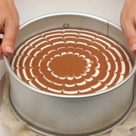 Подготовленный торт ставим застывать в холодильник примерно на 4 часа.