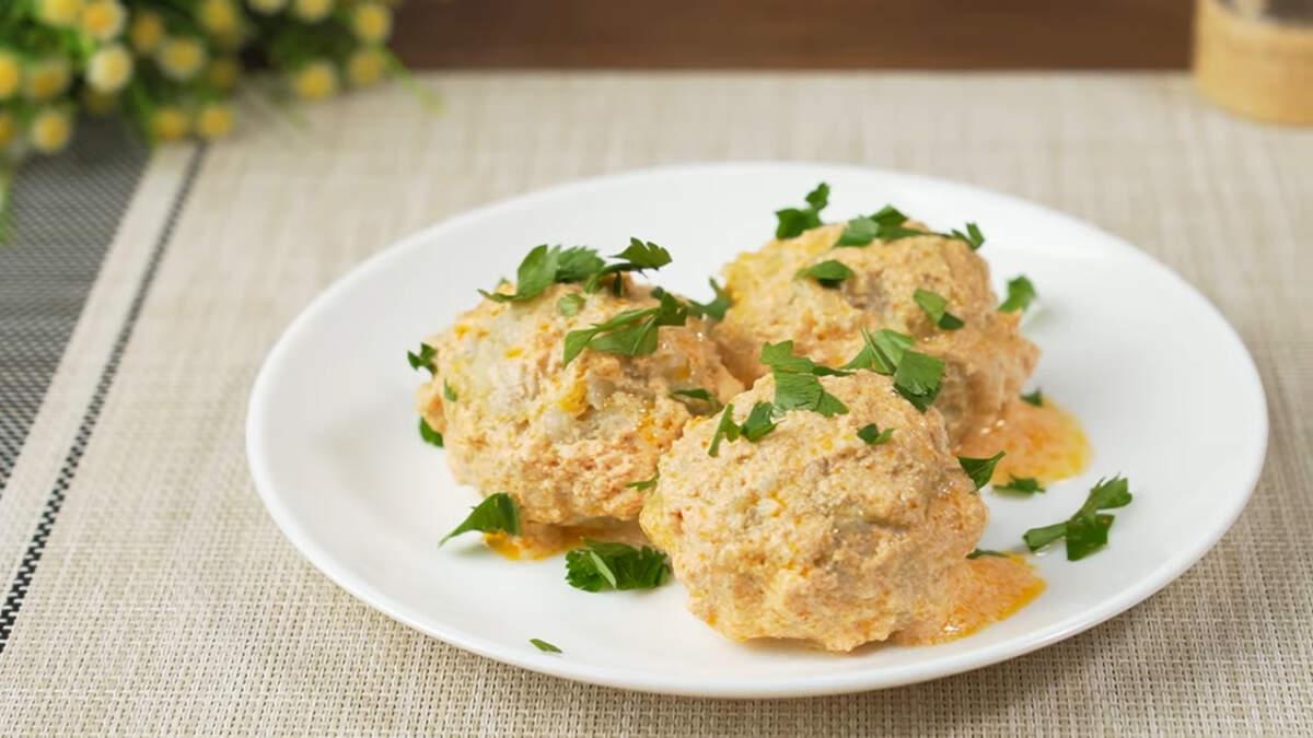 Ленивые голубцы на сковороде получились вкусными, сытными и ароматными. Готовятся такое блюдо просто и из доступных продуктов. Этот рецепт отлично подходит для семейного обеда или ужина.