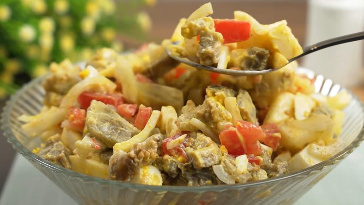 Салат получился очень вкусным и по осеннему свежим. Баклажаны салату придают сытность, а яблоко легкость и особый свежий вкус. Обязательно приготовьте такой салат, это очень вкусно.
