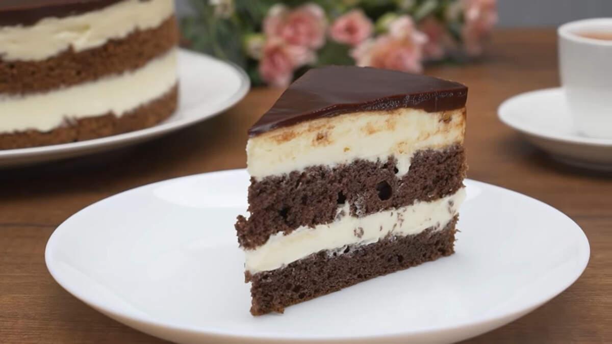 Торт Милка получился очень вкусным и нежным. В нем идеально сочетаются воздушные шоколадные коржи и нежный заварной крем на основе белого шоколада. Обязательно его приготовьте, это очень вкусно и готовится совсем несложно.