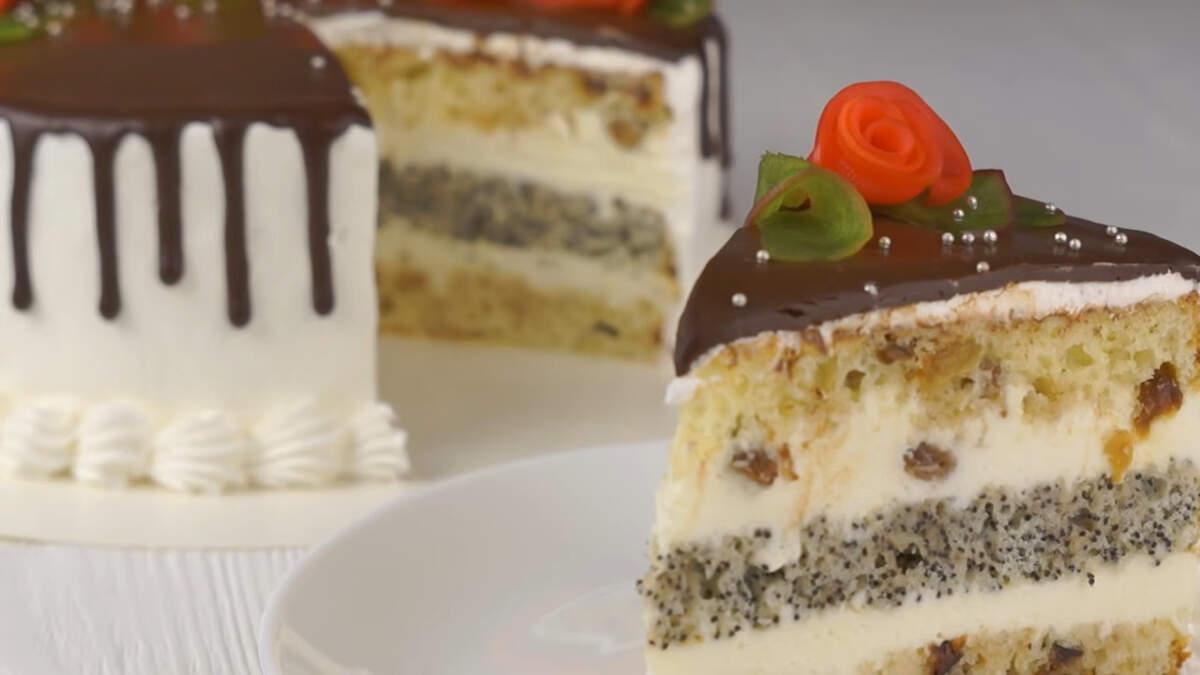 """Торт """"Сказка"""" получился сказочно вкусный. В нем отлично сочетаются ароматные сметанные бисквиты и нежный сливочный крем. Обязательно приготовьте такой вкусный торт, все будут в восторге!"""