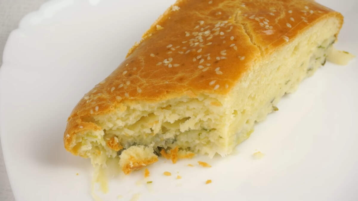 Пирог получился очень аппетитный и вкусный. Обязательно попробуйте его приготовить, думаю, он вам тоже понравится.